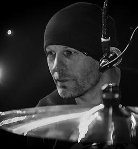 Bob Hoekstra - drums